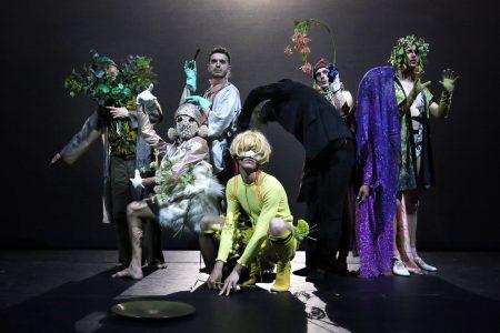 Performance of Nicole Beutler's Metamorphosis. Photo © Anja Beutler