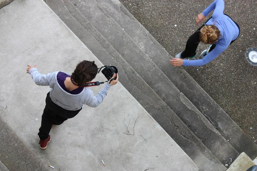 Camera person and dancer, vertical shot. Workshop at Video Dance Festival of Burgundy, France. Photo © Franck Boulègue